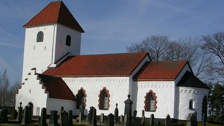 ...eller en snabbare ceremoni i Everlövs kyrka