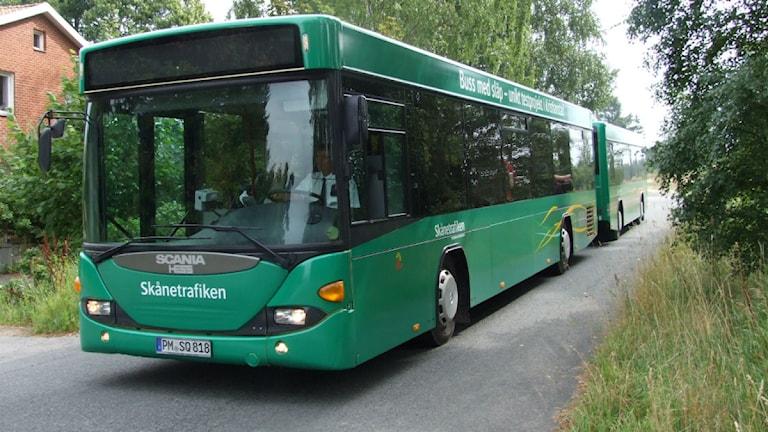 Buss med släp på sin jungfrutur i Kristianstad. På måndag börjar den rulla på linje 4.