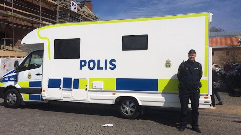 Mobil polisstation i en husbil
