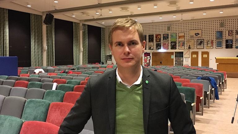 Utbildningsminister Gustav Fridolin (MP) i Söderportsgymnasiets aula..
