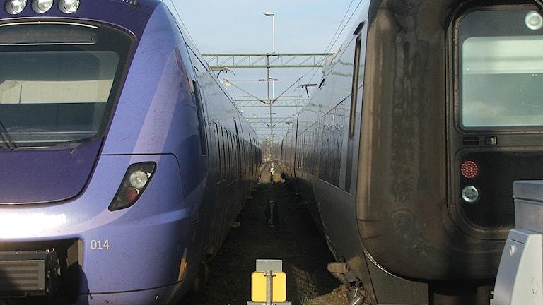 Pågatåg och Öresundståg på stationen i Kristianstad. Foto: Rebecka Erici/Sveriges Radio