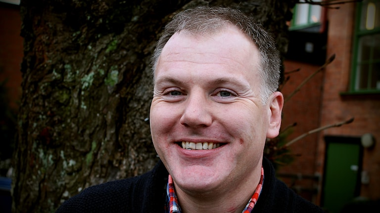 Gilbert Tribo är regionråd och veckans DJ i förmiddag. Foto: Björn Holgersson/Sveriges Radio