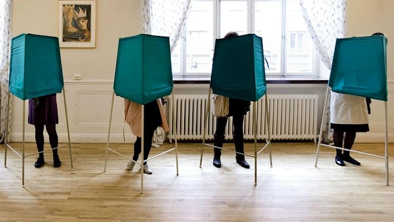 Röstande i vallokal