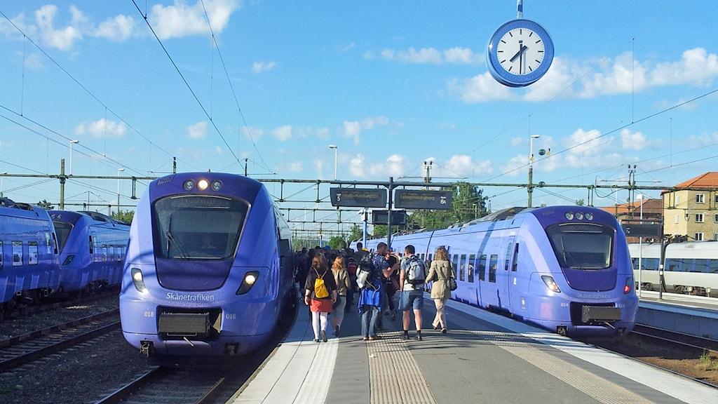 Pågatåg på Hässleholms station. Foto: Fredrik Brofalk/Sveriges Radio