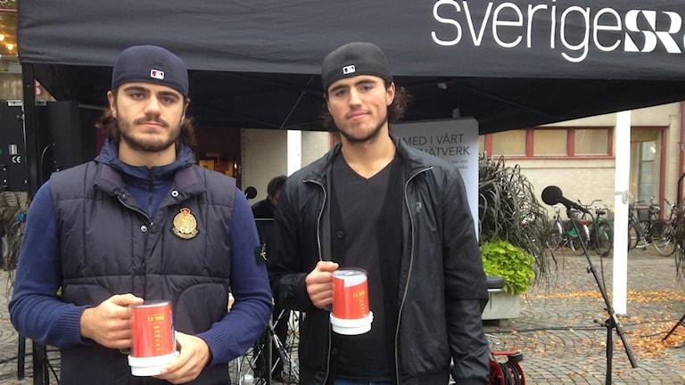 Röglespelarna Alen och Almen Bibic. Foto: Jenny Johnsson Roos/Sveriges Radio