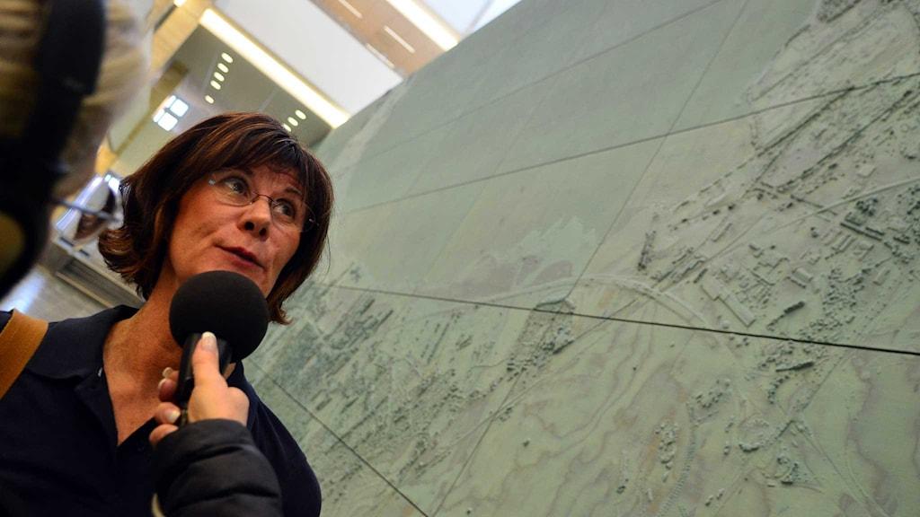 Ylva Pershaf i rådhusest. Foto: Per Lundberg/Sveriges Radio