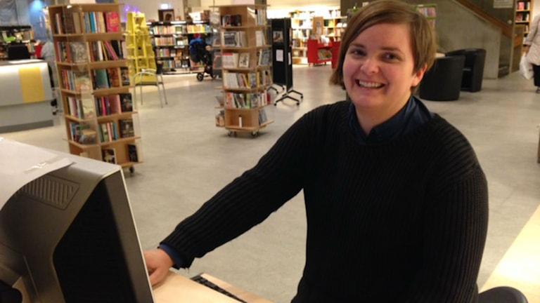 Andrea Hofmann, bibliotekarie på Stadsbiblioteket i Kristianstad och projektledare. Foto: Josefin Modig/Sveriges Radio