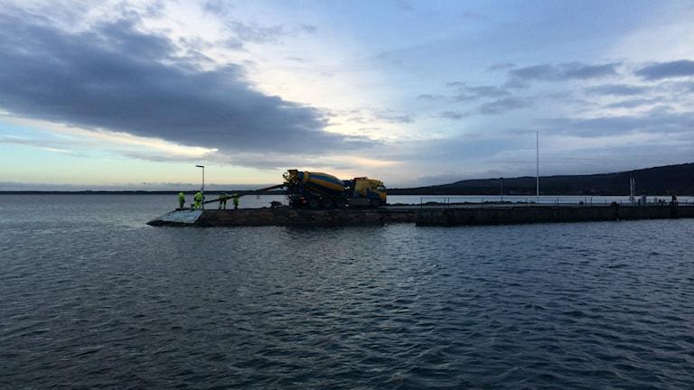 I Båstads hamn förbereder man sig för stormen Alexander. Foto: Anna Stenberg/Sveriges Radio
