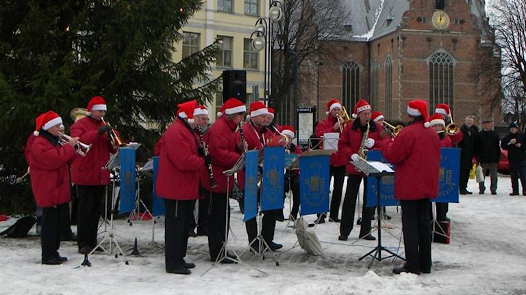 Åhus Blåsorkester när de blåste in julen tidigare år. Foto: Raluca Dintica/SR Kristianstad: