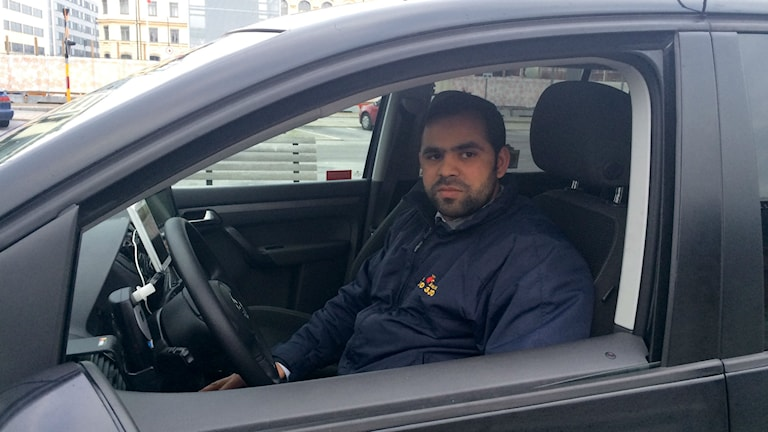 Abdul Rauf, kör taxi i Malmö. Foto: Madeleine Fritsch-Lärka