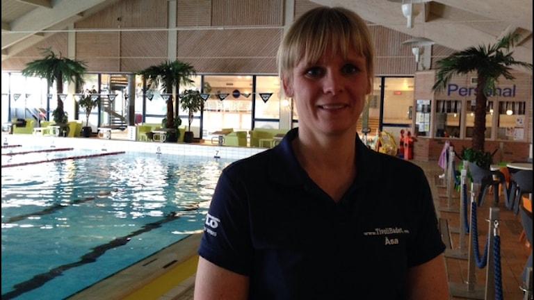 Åsa Jansson, badmästare på Tivolibadet i Kristianstad. Foto: Josefin Modig/Sveriges Radio
