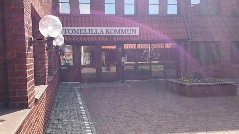 Tomelilla kommunhus. Foto: Sveriges Radio