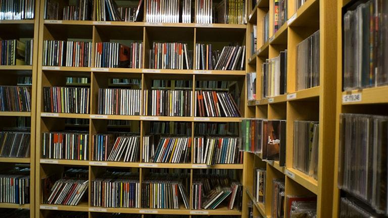 Grammofonarkivet, med CD skivor. Arkivbild :-)