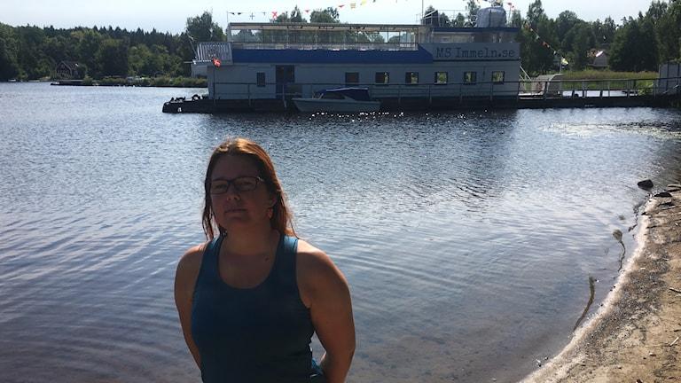 Linda Marin driver tillsammans med sin man turistbåten M/S Immeln. För några dagar sedan tog de beslutet att ställa in samtliga båtturer, vattennivåerna i sjön är så låga att de helt enkelt inte kommer ut.