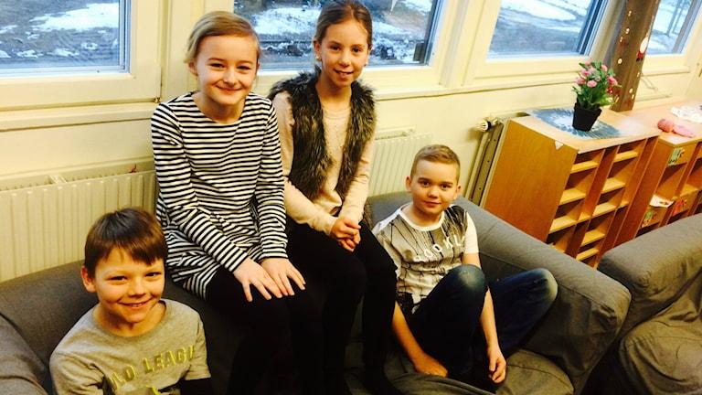 Några av dem som ska se Billy Elliot idag är Benjamin, Tyra, Agnes och Max i trean på Kulltorpsskolan i Kristianstad.