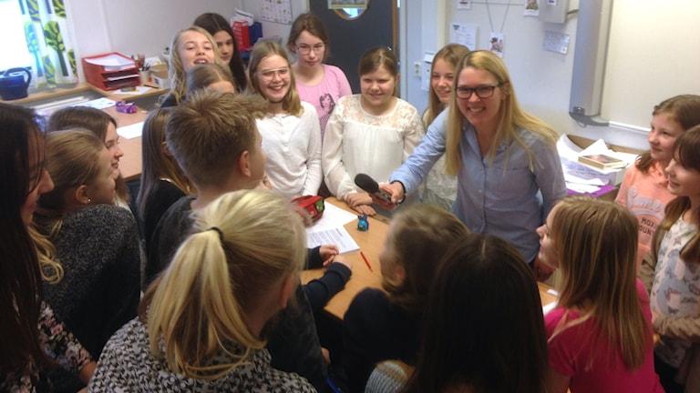 Femteklassarna på Hasslarödsskolan hade många bra tips att ge till kronprinsessparet om hur en bra förälder ska vara.