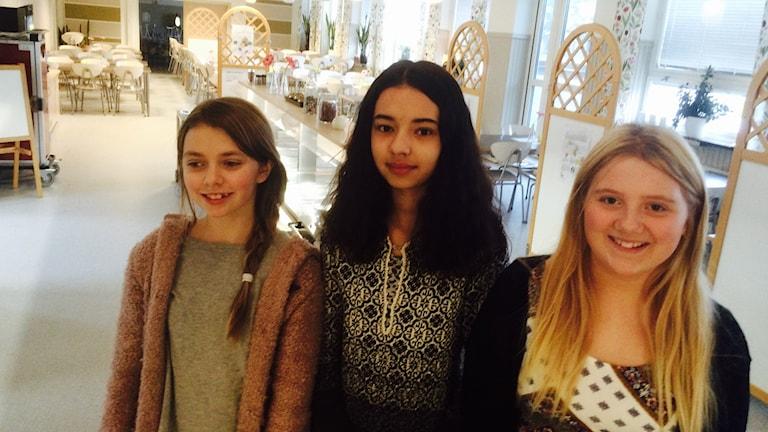 Maria, Destiny och Ellen på Grönängsskolan i Hässleholm.