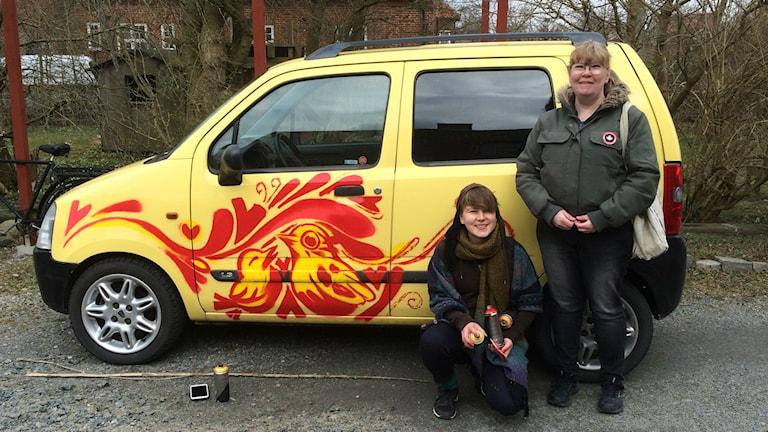 Elina Johansson Metso målade lyssnaren Ann Cederholms bil med graffiti.