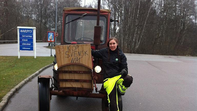 Sara Rosqvist med sin Volvo Buster från 67.