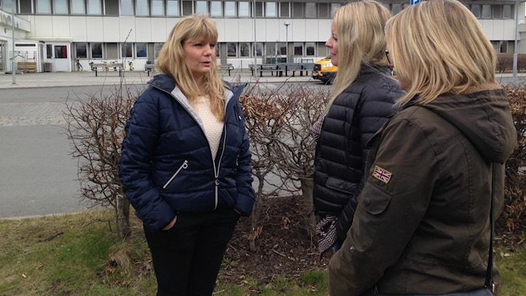 Christel Lorenz, intensivvårdssjuksköterska på CSK, tillsammans med några kollegor.