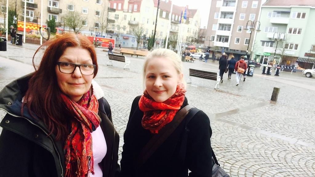 Camilla Edinger Brodd och Hanna Pohl blev evakuerade ur brandkvarteret.