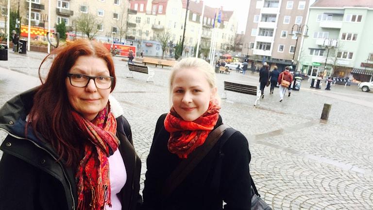 Hanna Pohl och Camilla Edinger Brodd blev evakuerade ur brandkvarteret.
