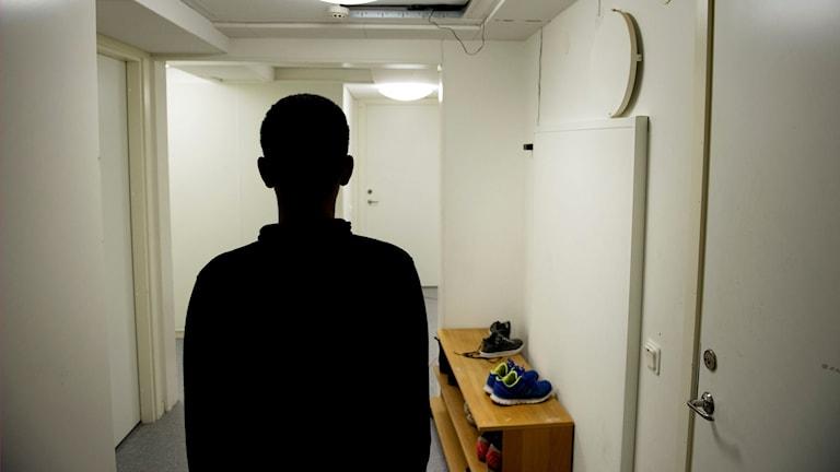 Sju ensamkommande flyktingpojkar fick bo tillsammans i ett familjehem i Kristianstad.