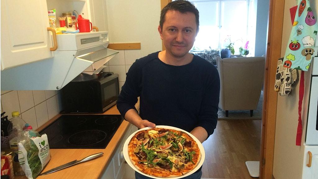"""Narin Yusein ställer upp i pizza-SM med sin pizza """"Cecina""""."""