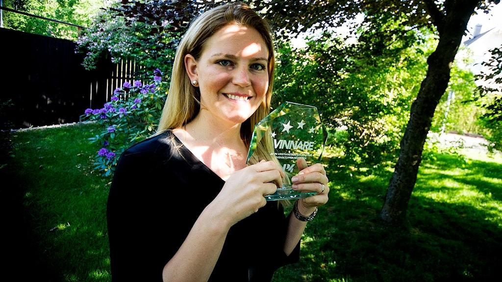 Fanny Pålsson med sitt finfina pris! Foto: Johan Pettersson/Sveriges Radio