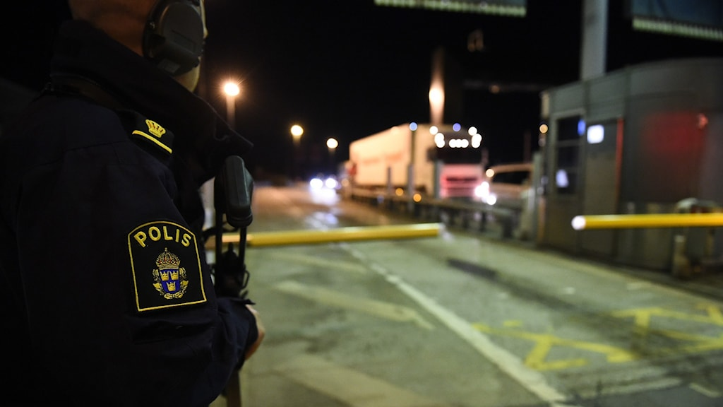 En polis vi dÖresundsbron.