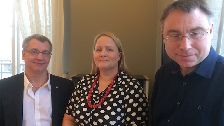 Karl-Erik Olsson (S), kommunalråd i Simrishamn, Anna-Lena Hogerud (S), ordförande i Region Skånes hälso- och sjukvårdsnämnd och Anders Åkesson (MP), regionråd.
