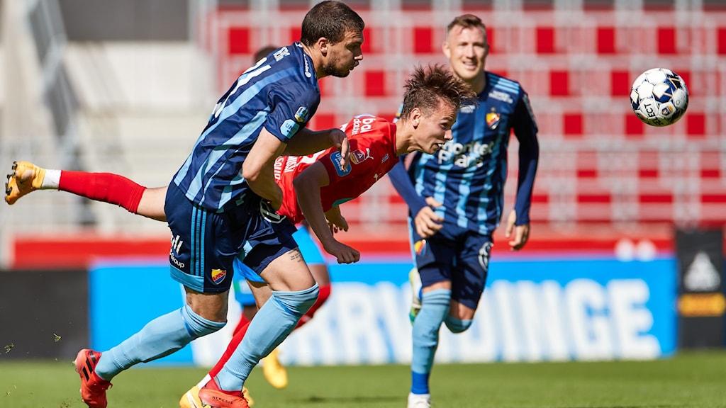 Fotbollsmatchen mellan Helsingborg och Djurgården.
