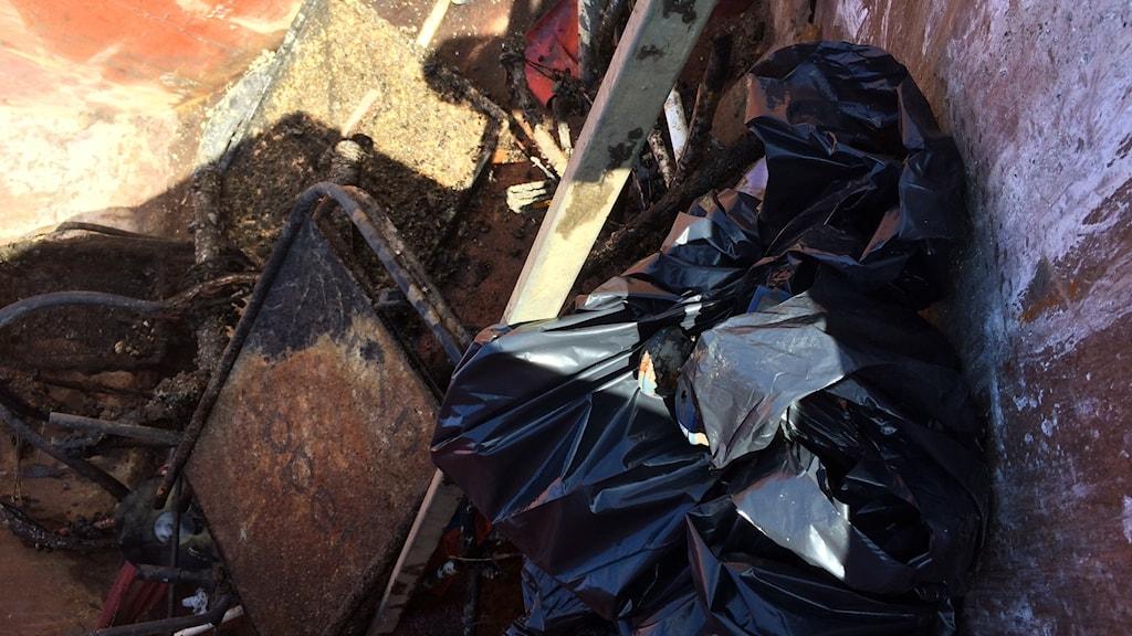 Skräp hittat på havsbotten utanför Åhus hamn