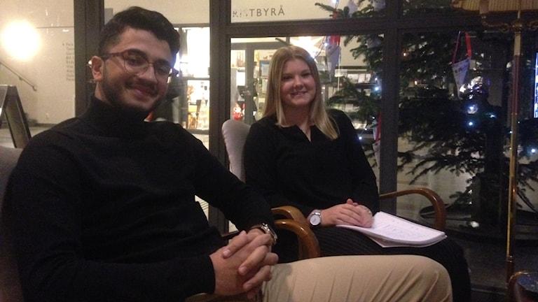 Ungdomsambassadörerna Malin Tillman och Omar Al-Ganas