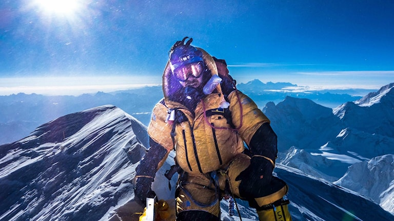 Daniel Åkerman på toppen av Mount Everest