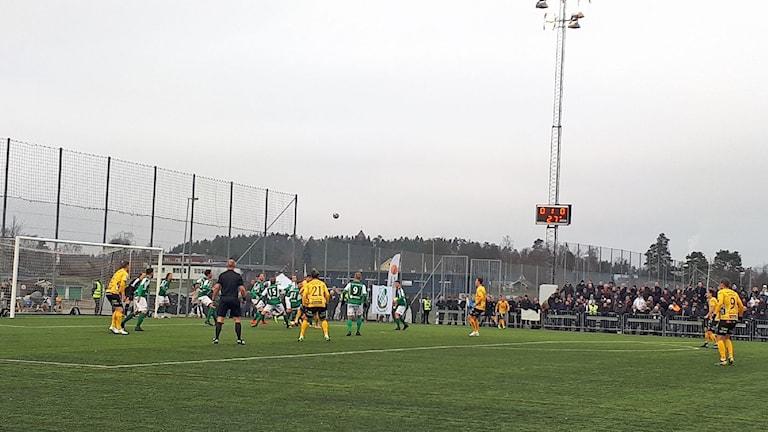 Cupfotboll mellan Hässleholms IF och Elfsborg på Österås IP. Foto: Frida Ardemark/Sveriges Radio.