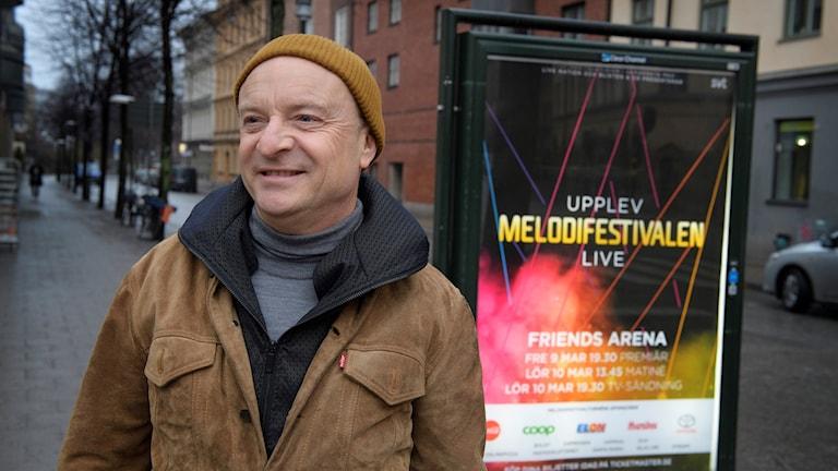Melodifestivalen 2018. Man i mössa.