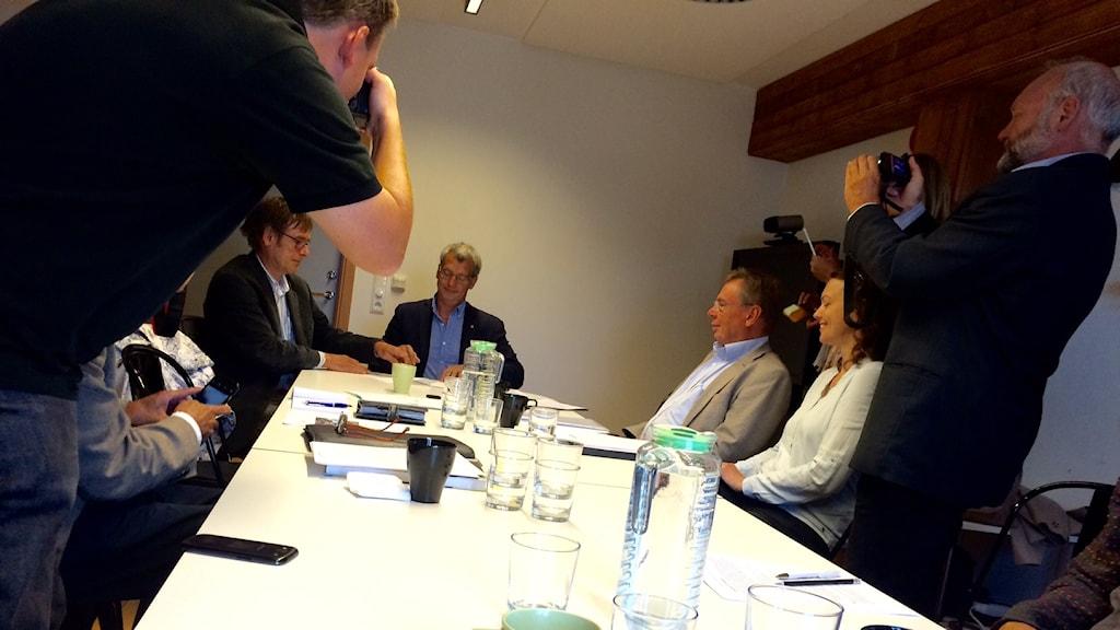 Simrishamns kommunalråd och Lunds Universitet undertecknar avsiktsförklaring.