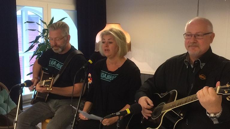 Linda&4 Bucks laddar för SM i country. Foto: Fredrik Bergman