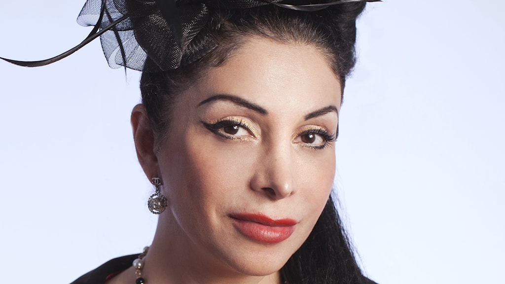 Ståuppkomikern Zinat Pirzadeh
