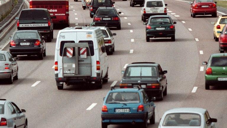 Bilar på en motorväg