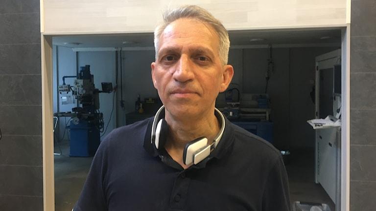 Reza Kazemi är VD och grundare för företaget 3D-Tech Sweden som tillverkar tandimplantat. Till sommaren har de stororder till Iran som är värd cirka 3 miljoner kronor.