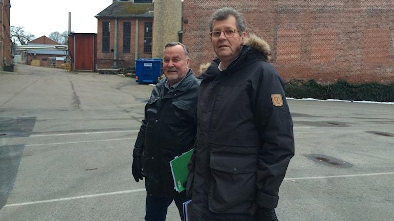 Kulturrådgivare Christer Jönsson och ägaren Olle Grundberg.