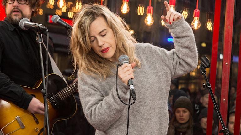 Kvinna som sjunger
