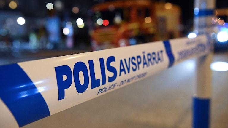 Tidigt under tisdagskvällen rånade en maskerad man en verksamhetslokal i Helsingborg.