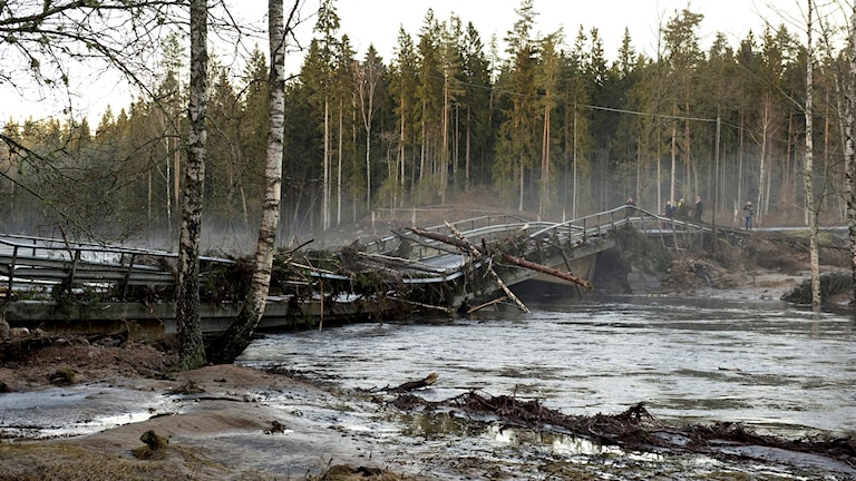 Skadad bro Hästberga.