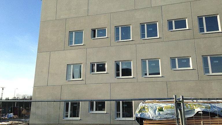 Även om det byggs, som här i Kristianstad, är det otillräckligt.