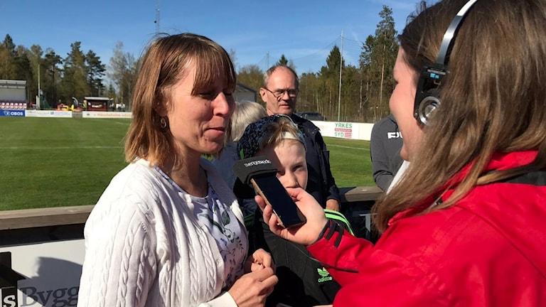 Vittsjösupportern Anette Storm gillar spelaren Clara Markstedt lite extra.