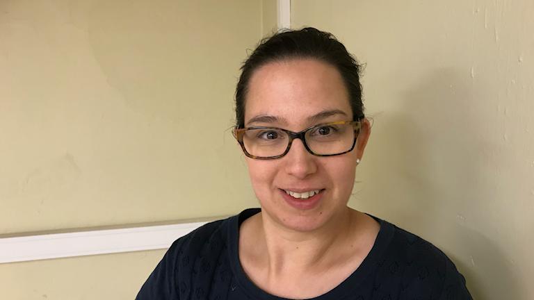 Kvinna med glasögon