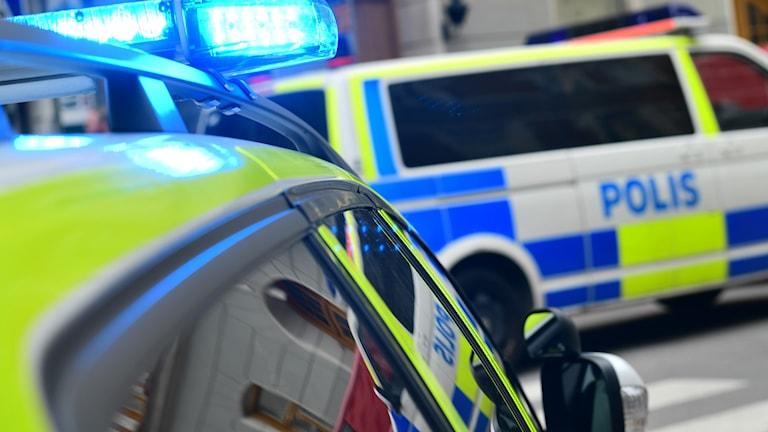 20-åringen fördes med ambulans till sjukhus. Skadeläget är okänt.